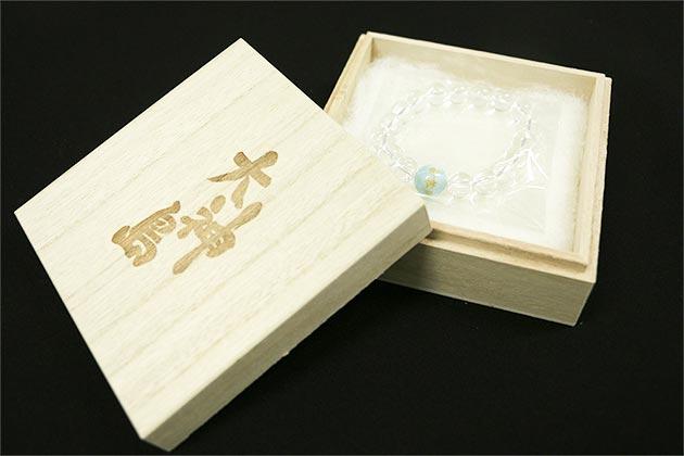 大神島刻印入り「特製高級木箱」