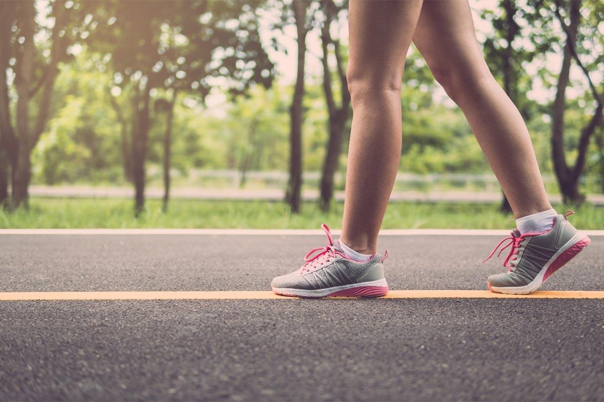 正しい歩き方を身に着ける
