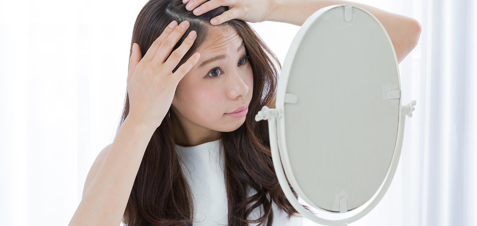 白髪が気になり始めた 髪の老化の原因と予防法